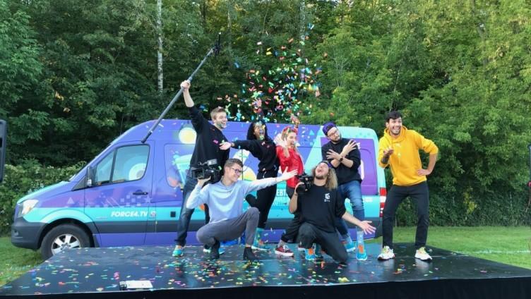 Les stars de la Moisson-d'Or reçoivent les vedettes de Force 4 !!!